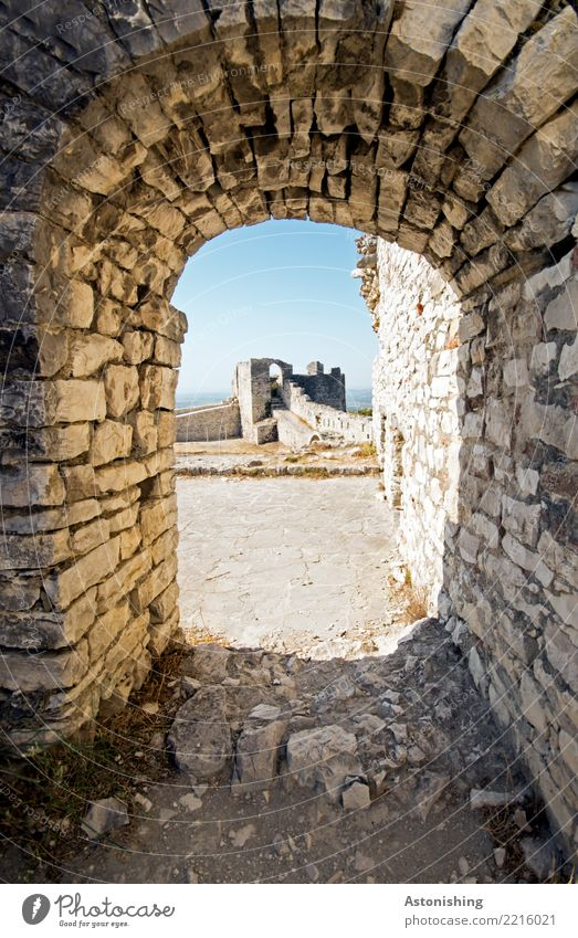 Berat Castle Environment Sky Cloudless sky Horizon Sun Summer Weather Beautiful weather Warmth consultation Albania Ruin Tower Gate Manmade structures