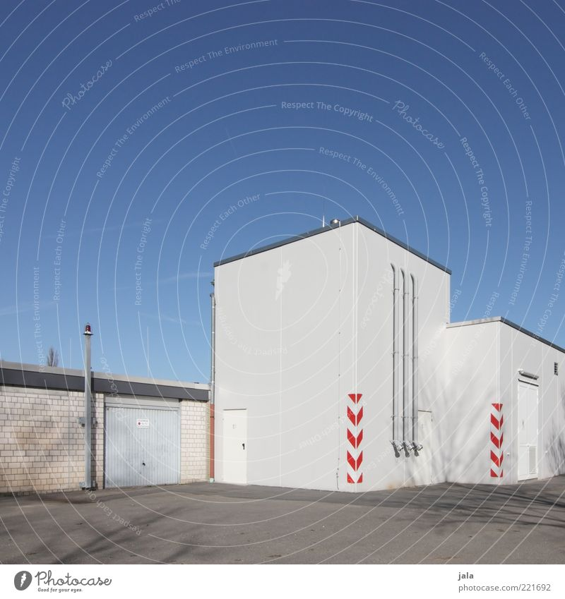 connection point Sky Industrial plant Places Manmade structures Building Architecture Wall (barrier) Wall (building) Facade Clean Blue Gray White Colour photo