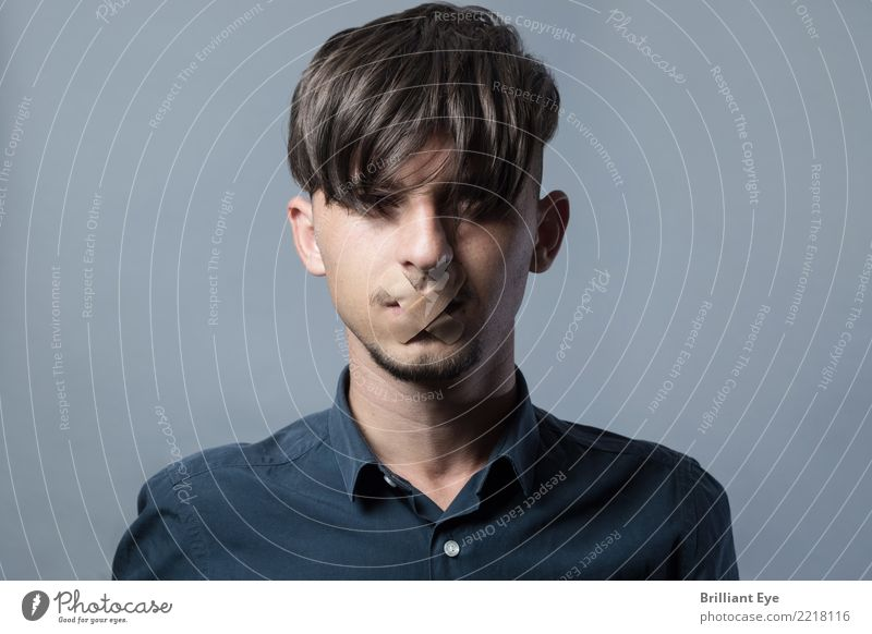 Human being Youth (Young adults) Emotions Masculine 13 - 18 years Opinion Bans Stagnating Mask Blind Truth Fairness Secrecy To be silent Muzzle Criticism