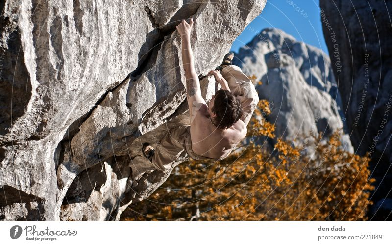 Bouldering in Croatia Sports Fitness Sports Training Climbing Mountaineering Sportsperson Masculine Young man Youth (Young adults) 1 Human being 30 - 45 years