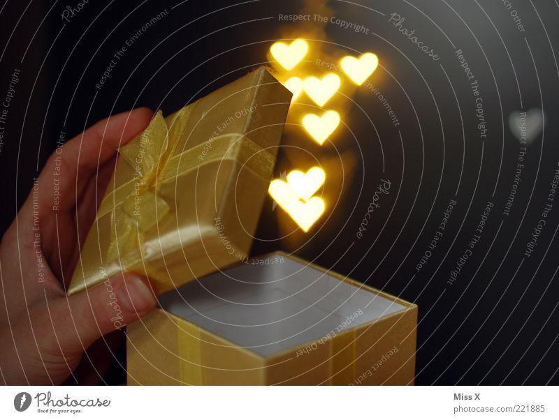 Hand Beautiful Love Emotions Happy Heart Gold Birthday Glittering Gift Romance Kitsch Surprise Infatuation Carton Undo