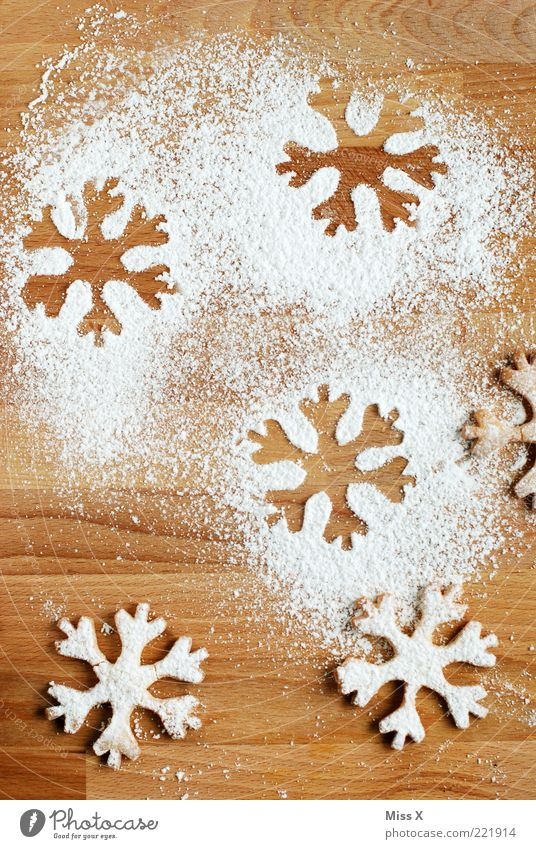 snowflakes Food Dough Baked goods Nutrition Delicious Sweet Crisp Cookie Butter cookie Snowflake Confectioner`s sugar Sugar Imprint Star (Symbol)
