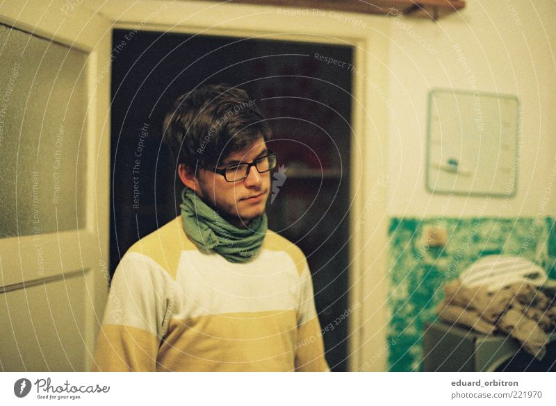 Doomed User Masculine Young man Youth (Young adults) Adults 1 Human being 18 - 30 years Sweater Cloth Eyeglasses Scarf Black-haired Short-haired Facial hair