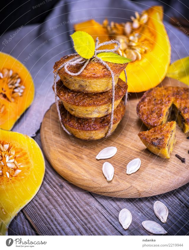 cupcakes with pumpkin Vegetable Bread Dessert Breakfast Table Autumn Leaf Wood Fresh Tradition Cupcake Meal Slice Snack Home-made Gourmet Tasty Bakery