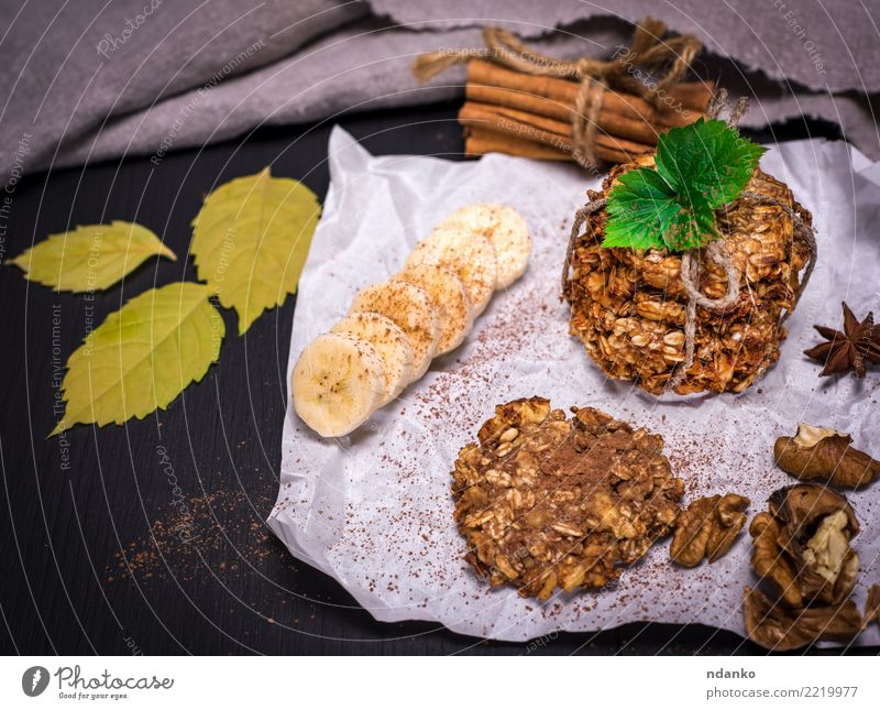 cookies made from oat flakes White Natural Wood Brown Nutrition Table Energy Delicious Candy Breakfast Tradition Dessert Baked goods Cooking Meal Diet