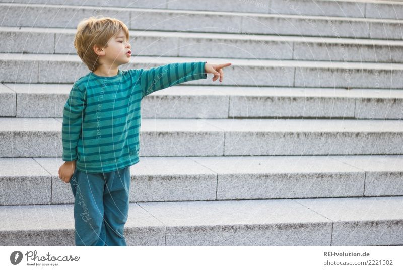 Child Human being Town Green Natural Boy (child) Small Stairs Infancy Blonde Authentic Fingers Observe Indicate Toddler Clue