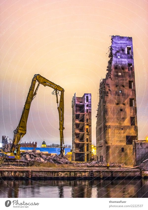 Ruins, demolition, excavator Construction site Construction machinery Berlin Downtown Berlin Town Capital city High-rise Palace Places Manmade structures