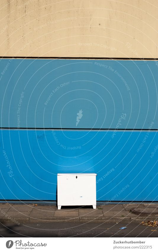 White Blue Wall (building) Wall (barrier) Stripe Simple Box Sidewalk Sharp-edged Cupboard Curbside Bulk rubbish
