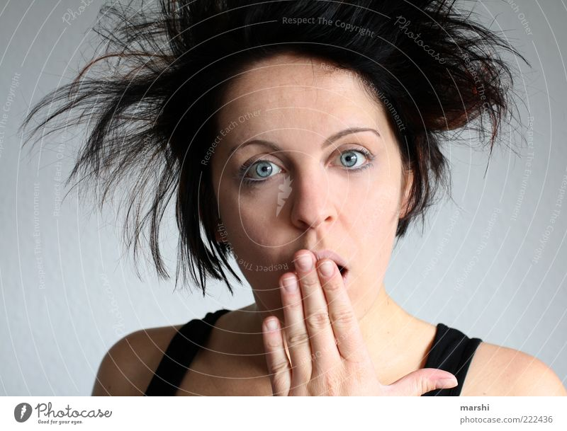oh, fright... Human being Feminine Woman Adults Face 1 Hair and hairstyles Brunette Emotions Moody Shock Facial expression Frightening Hand backcombed