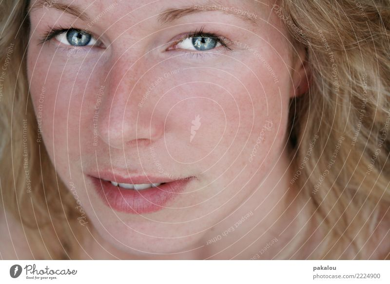 Freckles and glowing eyes Skin Cosmetics Human being Feminine Young woman Youth (Young adults) Adults Face 1 18 - 30 years Blonde Curl Looking Fresh Healthy