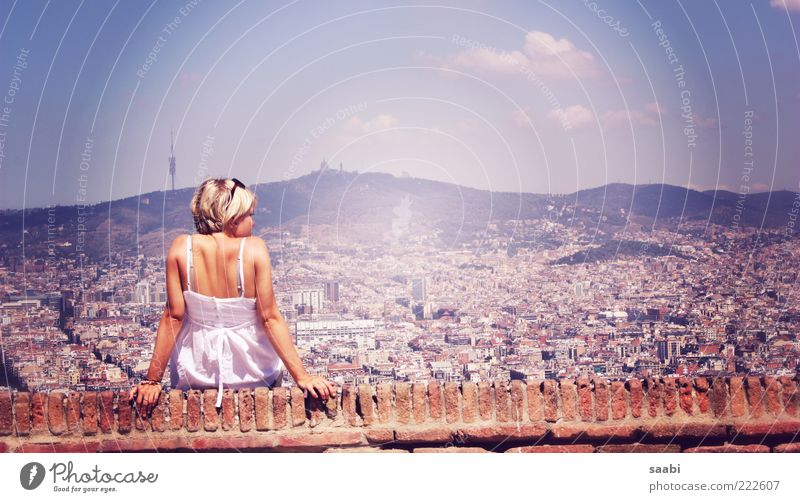 Human being Sky City Vacation & Travel Summer Adults Feminine Wall (barrier) Contentment Blonde Sit 18 - 30 years Skyline Beautiful weather Joie de vivre (Vitality) To enjoy
