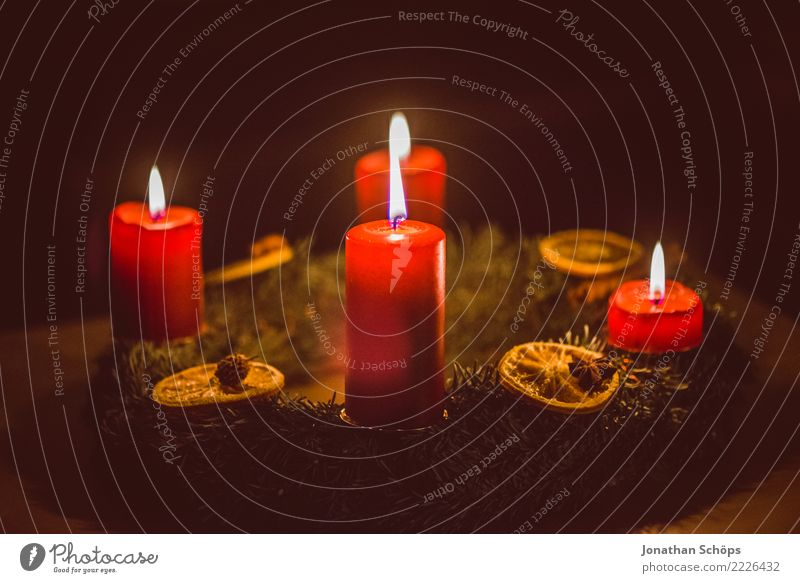 Advent wreath I Well-being Meditation Living or residing Decoration Christmas & Advent 4 Human being Warmth Candle Illuminate Bright Red Moody Hope Tradition
