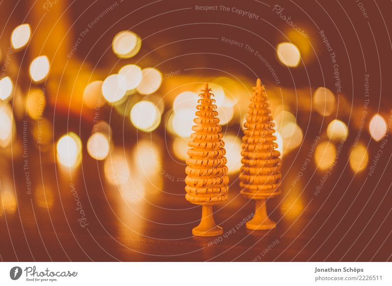 Christmas Decoration with Bokeh I Handcrafts Christmas & Advent Warmth Forest Wood Bright Moody Hope Tradition Erz Mountains Erzgebirgskunst Delicate