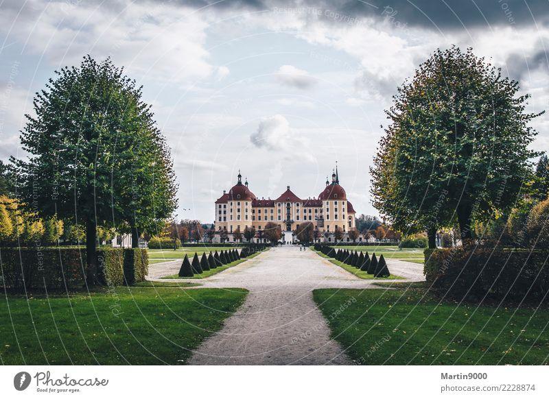 Vacation & Travel Architecture Trip Park Culture Tourist Attraction Manmade structures Castle Pride
