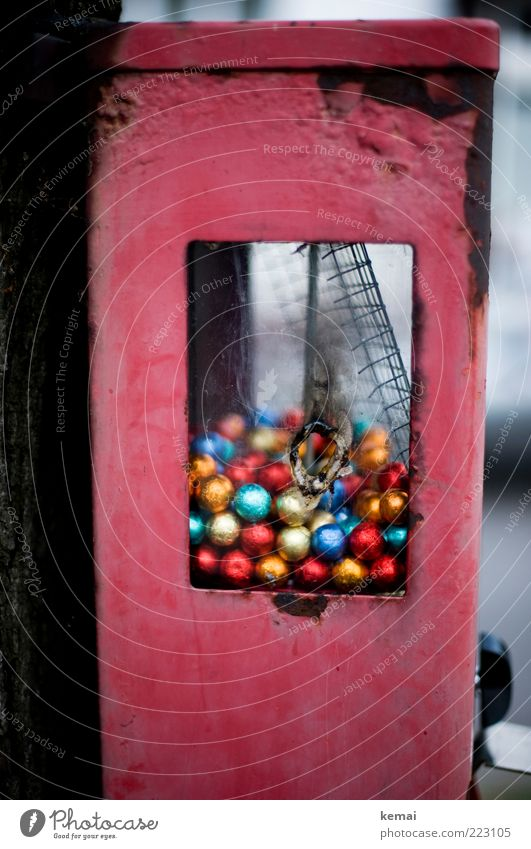 vandalism Candy Chewing gum Gumball machine Infancy Sphere Old Broken Multicoloured Red Hollow Molten Destruction Vandalism Damage to property Colour photo