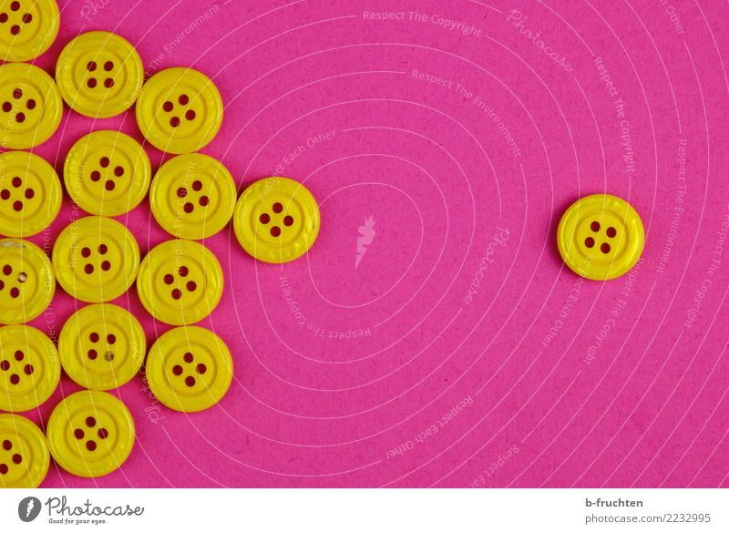 majority - minority Buttons Sign Communicate Uniqueness Rebellious Yellow Violet Together Desire Loneliness Society Competition Arrangement Independence