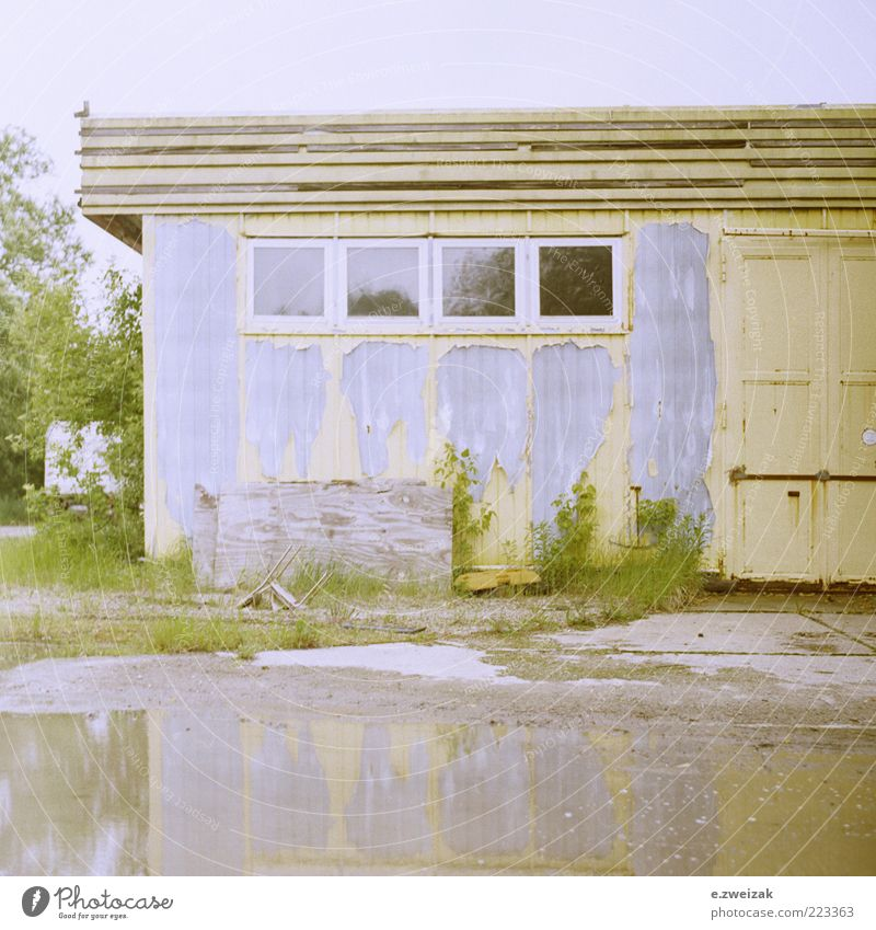 Sky Water Old Plant Summer House (Residential Structure) Wall (building) Window Grass Wall (barrier) Architecture Building Facade Industry Bushes Factory