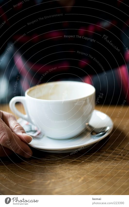 Cup empty Beverage Hot drink Coffee Spoon Coffee cup Café au lait Table Drinking Human being Masculine Hand Fingers 1 Sit Brown White To have a coffee