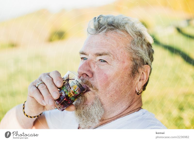 epicure Drinking Alcoholic drinks Wine Glass Style Life Well-being Contentment Relaxation Human being Masculine Male senior Man Adults Senior citizen Head 1