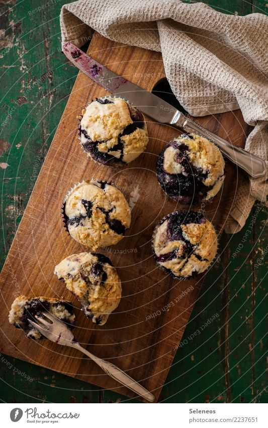Eating Food Fruit Nutrition To enjoy Sweet Delicious Candy Cake Dessert Baked goods Picnic Dough Blueberry To have a coffee Muffin