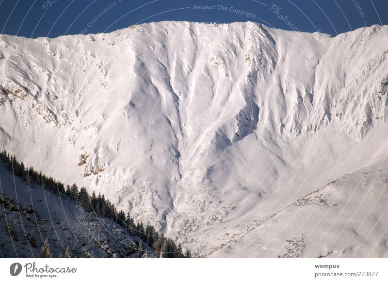 Nature Vacation & Travel Snow Mountain Landscape Environment Weather Rock Large Tourism Alps Peak Snowscape Beautiful weather Climate Gigantic
