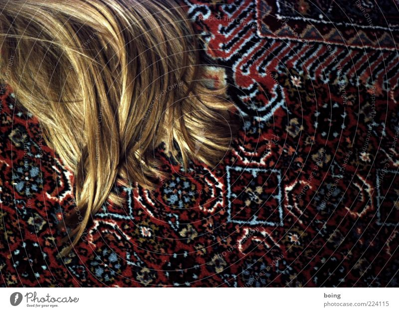 SLEEP Living or residing Flat (apartment) Living room Carpet Hair and hairstyles Blonde Long-haired Lie Colour photo Interior shot Copy Space right