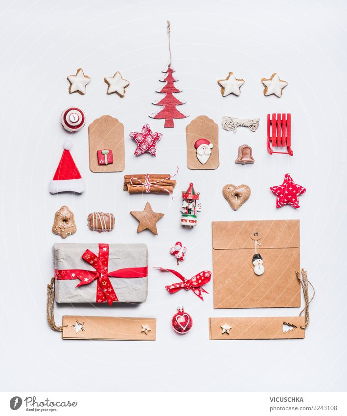 Christmas Still Life with Kraft Paper, Layout Shopping Style Design Winter Party Event Feasts & Celebrations Christmas & Advent Decoration Sign Ornament