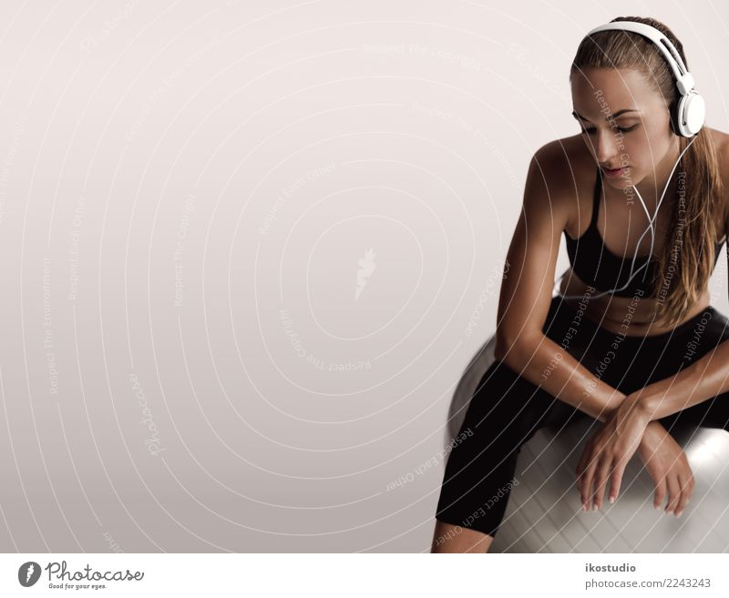 I'm done for today Woman Human being Beautiful Relaxation Lifestyle Adults Sports Fashion Gray Body Music Sit Fitness Athletic Beauty Photography Listening