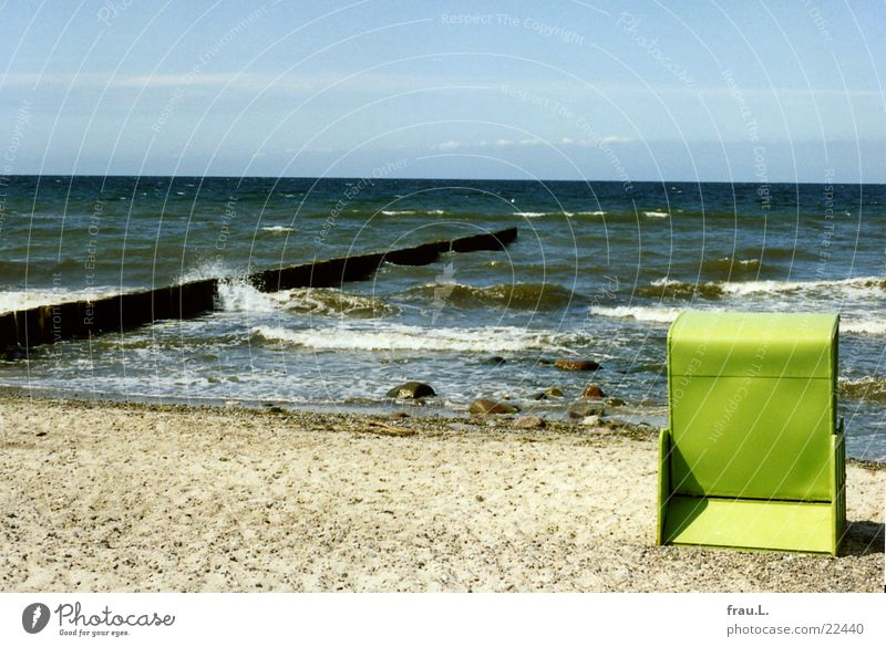 Beach Chair Trabbi Poverty Tin Green Ocean Waves Vacation & Travel Multicoloured Mecklenburg-Western Pomerania Coast Life outdated Loneliness standing basket