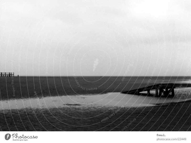 Ocean Winter Loneliness Gray Stand North Sea Ramp St. Peter-Ording Pile-dwelling