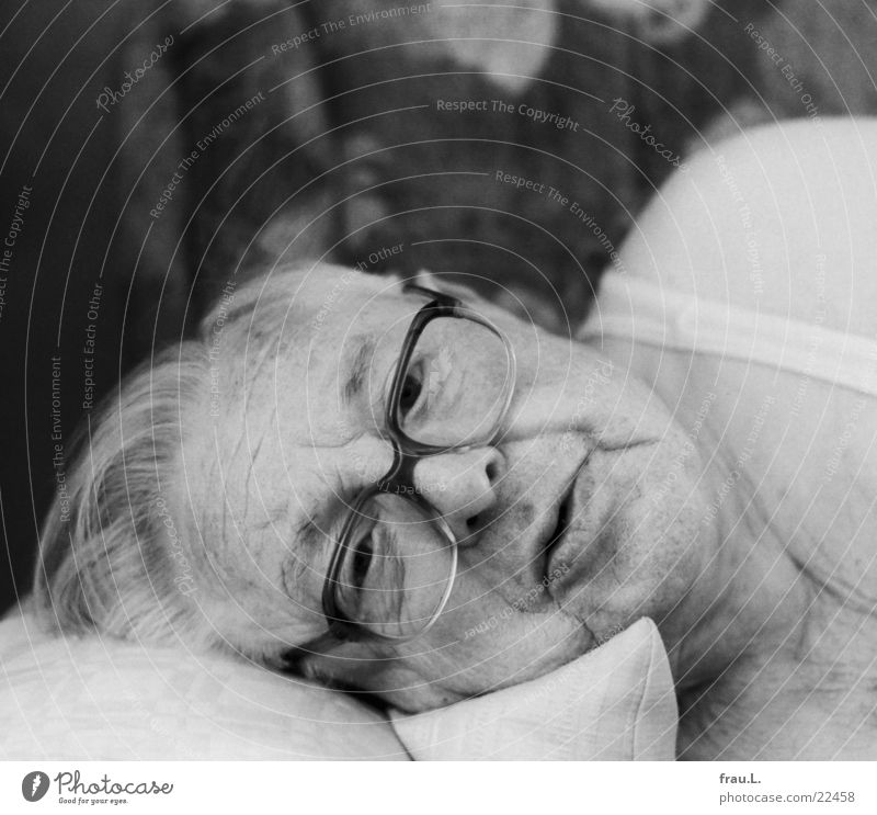 Lunch nap - awakened Wake up Man Senior citizen Eyeglasses Sofa Sleep Cushion Grandfather Undershirt Portrait photograph rested 80 after-lunch nap Relaxation