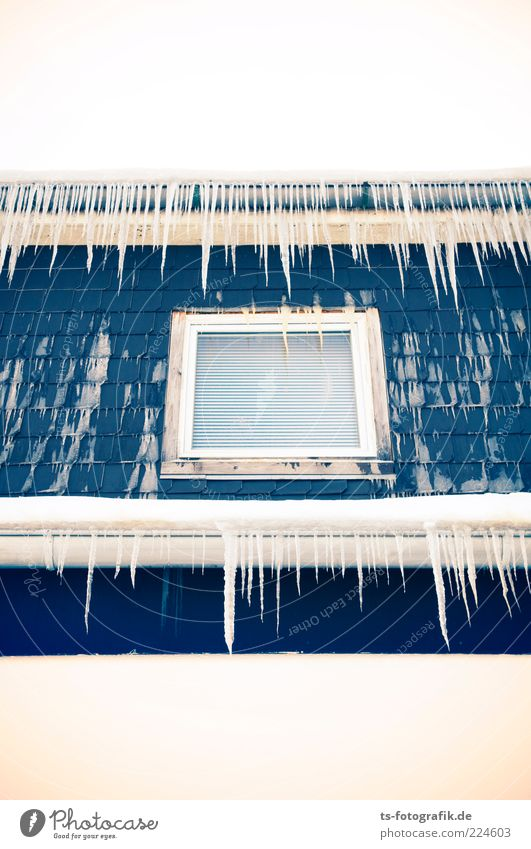 Windows for fakirs Environment Elements Winter Weather Ice Frost House (Residential Structure) Facade Eaves Cold Point Thorny Blue White Icicle Suspended