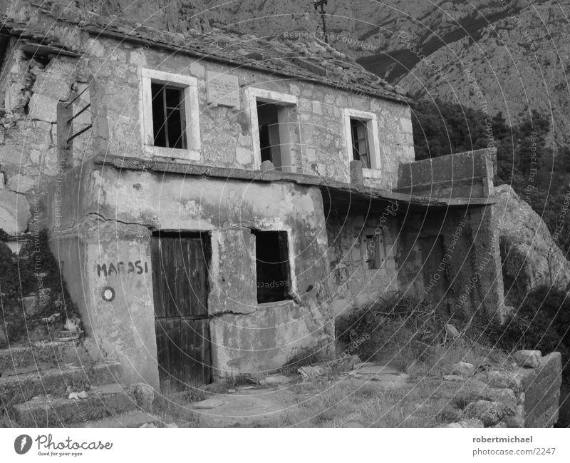 White House (Residential Structure) Black Loneliness Window Mountain Stone Architecture Flat (apartment) Door Target Hut Ruin War Destruction Turkey