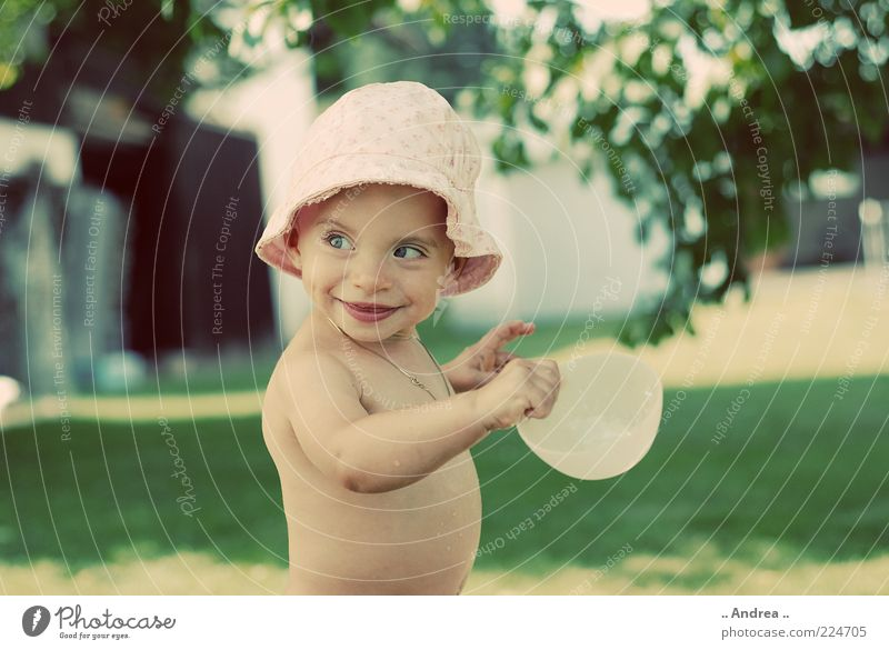 Small Fratz Baby Toddler Girl 1 - 3 years Smiling Laughter Playing Naked child Dearest Cute Infancy Sunhat Bowl To hold on Meadow Headwear Copy Space right