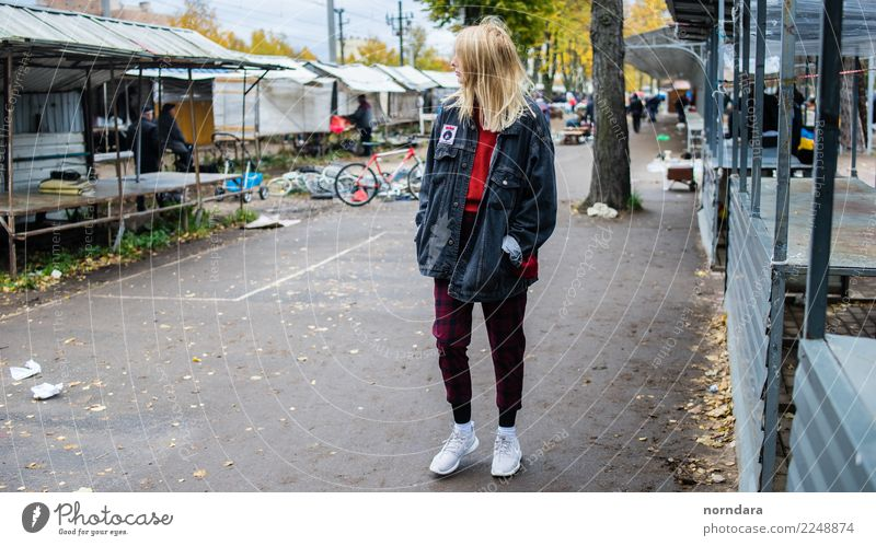 Flea market Shopping Young woman Youth (Young adults) 1 Human being Youth culture Subculture Punk Town Jacket Sneakers Select Authentic Hip & trendy Tall Blonde