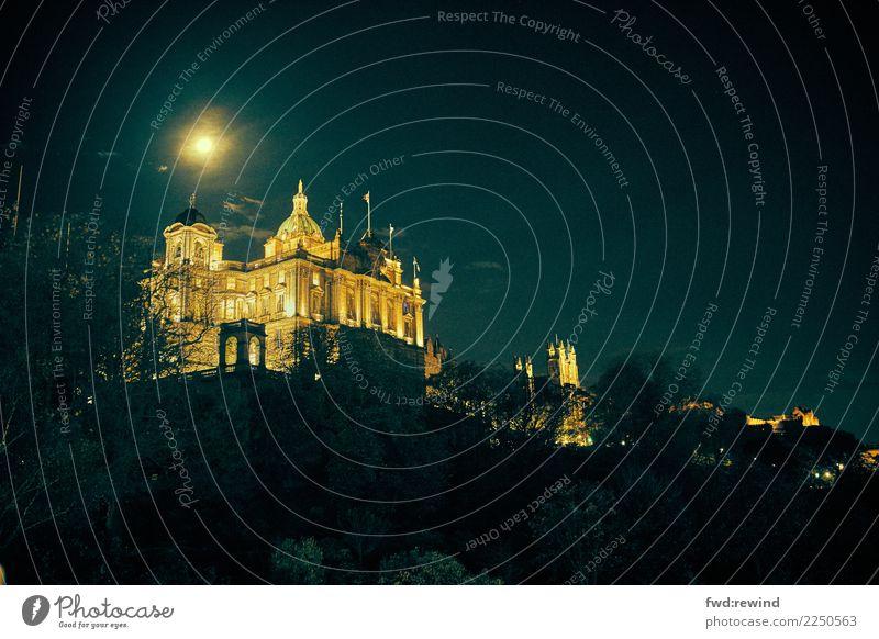 Tourism Illuminate Glittering Esthetic Power Success Large Tall Historic Might Capital city City trip Sightseeing Luxury Economy Scotland