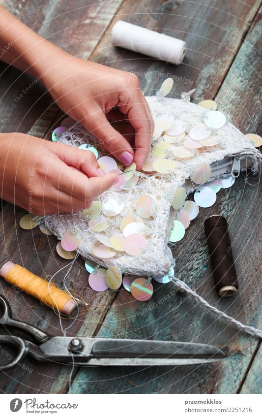 Decorating purse with sequins using following diy ideas Design Leisure and hobbies Decoration Table Craft (trade) Scissors Girl Young woman Youth (Young adults)