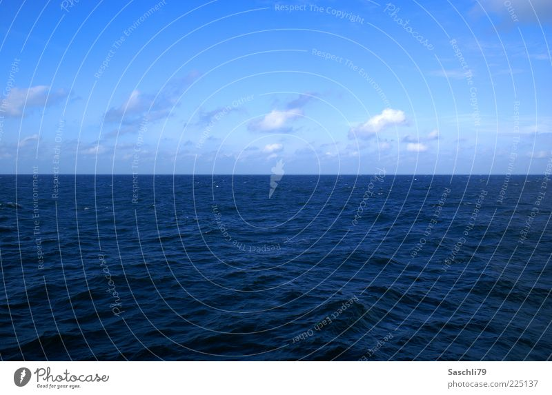 Nature Water Blue Summer Ocean Environment Waves Horizon Climate North Sea Beautiful weather Sea water Clouds in the sky
