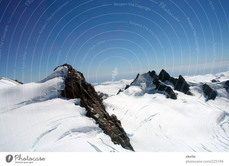 In the snow Nature Landscape Air Sky Cloudless sky Winter Climate Weather Beautiful weather Snow Alps Mountain Glacier Glacier ice Cervasse Peak Snowcapped peak