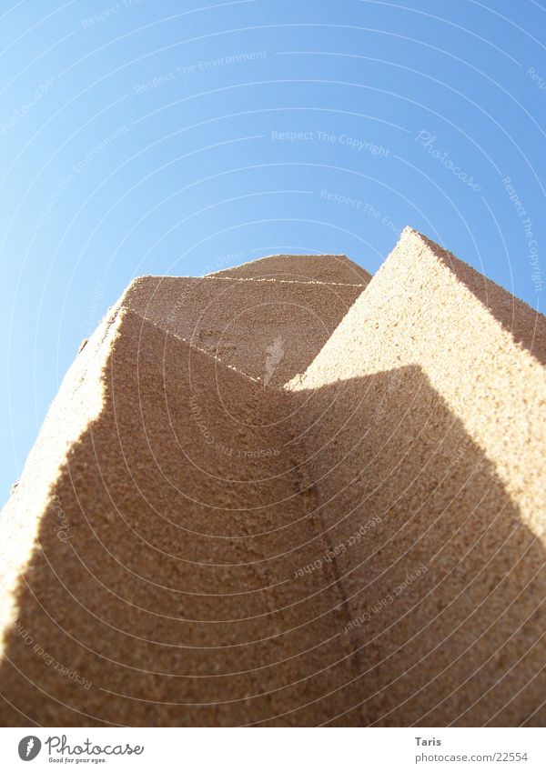 Sun Ocean Beach Wall (building) Sand Architecture Corner Point Vertical Sandcastle Drop shadow