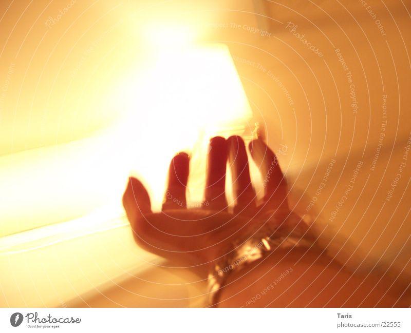 Screaming Hand II Lamp Speed Long Walking Clock Room Long exposure Catch Fear Blur
