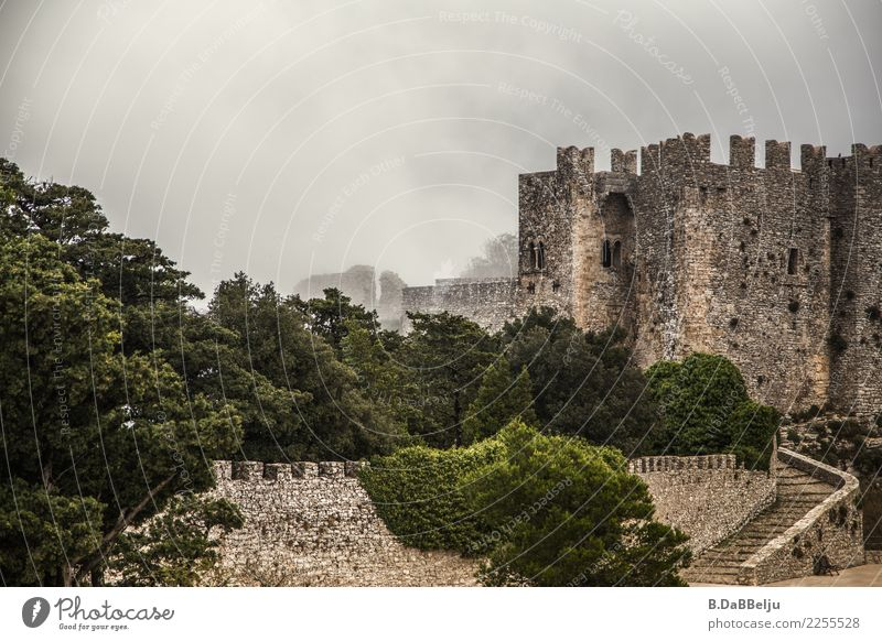 The Castello di Venere in Erice in the mist. Italy Sicily vacation Day Deserted Exterior shot Colour photo Wall of fog Knight's castle Defensive Medieval times