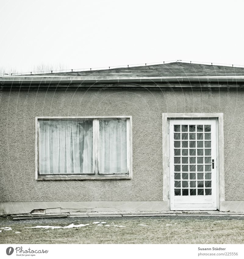 chat clique House (Residential Structure) Detached house Window Door Old Past Wooden door GDR Broken Snow Meadow Exterior shot Close-up Day Central perspective