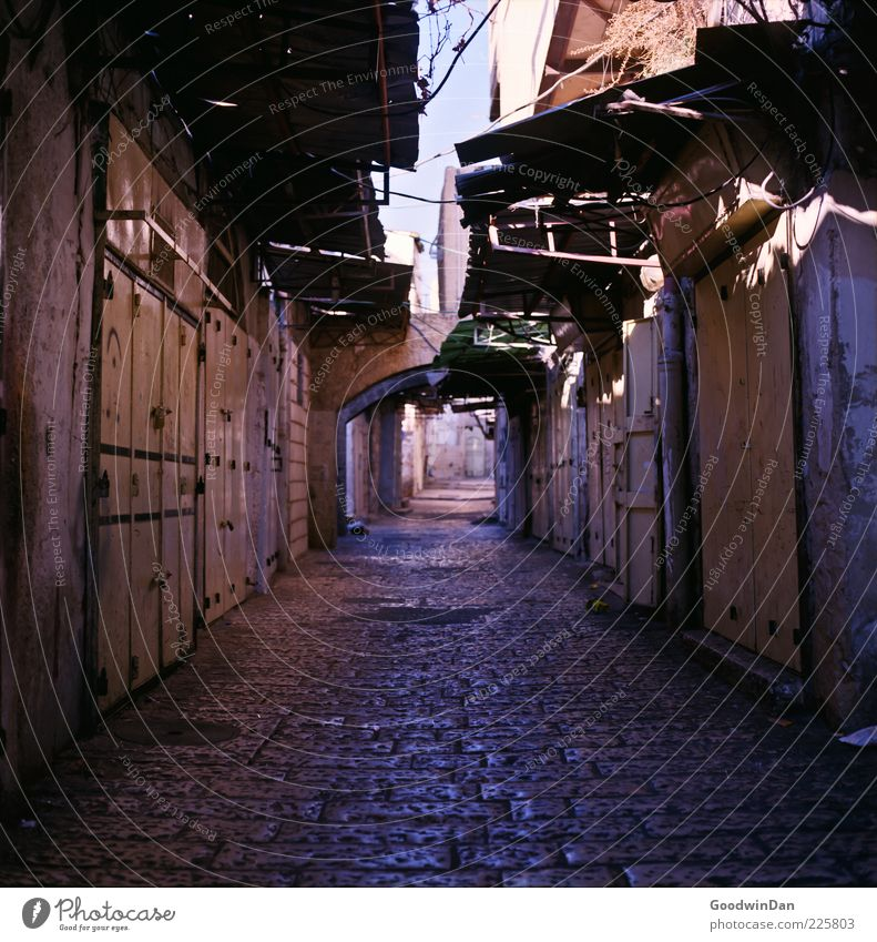 Old City House (Residential Structure) Street Wall (building) Architecture Lanes & trails Wall (barrier) Building Moody Facade Historic Alley Old town Canopy