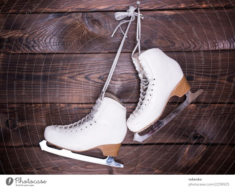 women's white used leather skates Old White Winter Sports Wood Brown Leisure and hobbies Retro Footwear Hang Conceptual design Leather Rustic Winter sports