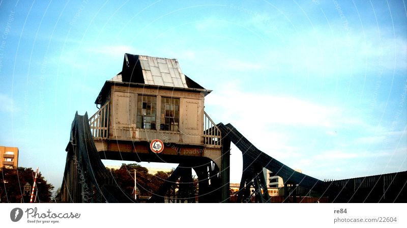 Old Sky House (Residential Structure) Bridge Cologne Steel Rust Iron