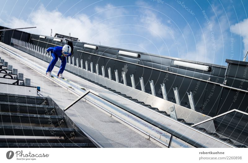 Ski jumper on the ski jump Sports Winter sports Sportsperson ski-jump Sporting Complex Human being Masculine Man Adults 1 18 - 30 years Youth (Young adults)