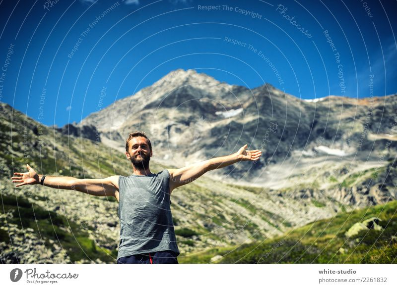 Human being Nature Youth (Young adults) Man Mountain 18 - 30 years Adults Sports Happy Leisure and hobbies Contentment Masculine Hiking Free Fitness Peak