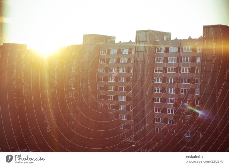 Sun House (Residential Structure) Architecture Building Facade High-rise Retro Manmade structures Prefab construction Lens flare