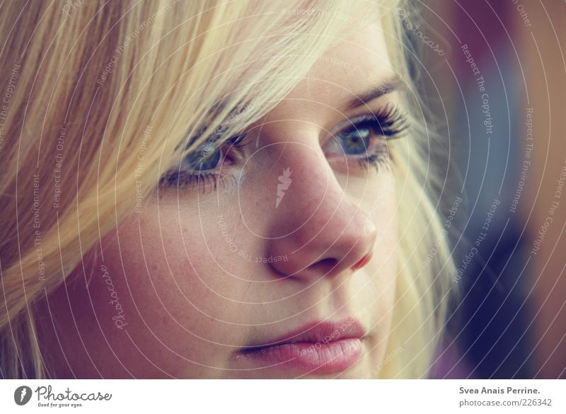 moment. Style Feminine Young woman Youth (Young adults) Hair and hairstyles Face Eyes 1 Human being 18 - 30 years Adults Blonde Looking Authentic Exceptional